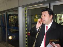 トモタロウBLOG-北京空港でも電話